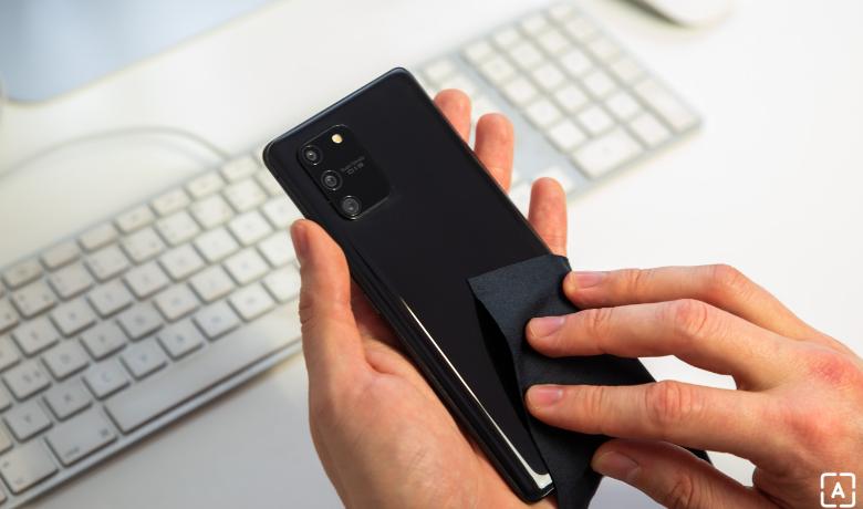 Cep telefonun nasıl temizlenir?